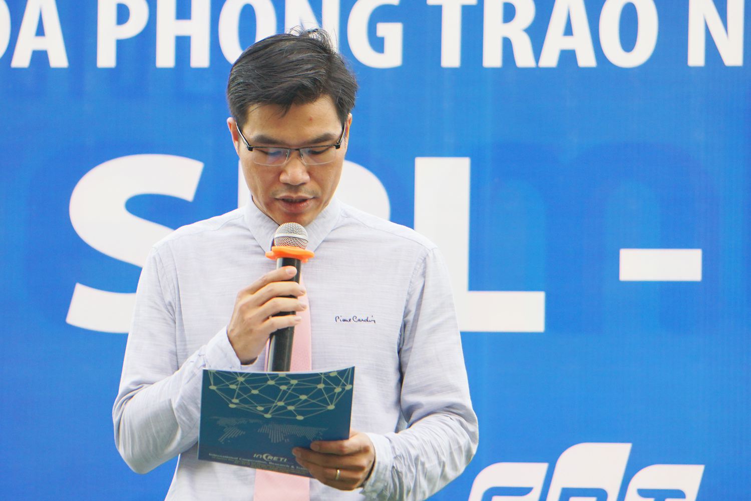 Dr. Tran Trong Dao, TDTU Vice President delivering the opening speech