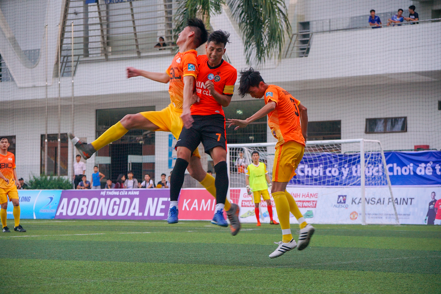 A dramatic opening match between TDTU team and Dong Nai University